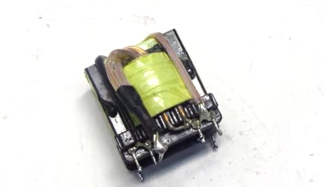 трансформатор для импульсного зарядного устройства аккумулятора автомобиля