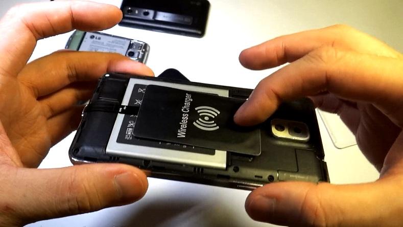 Беспроводная зарядка для телефона в автомобиль