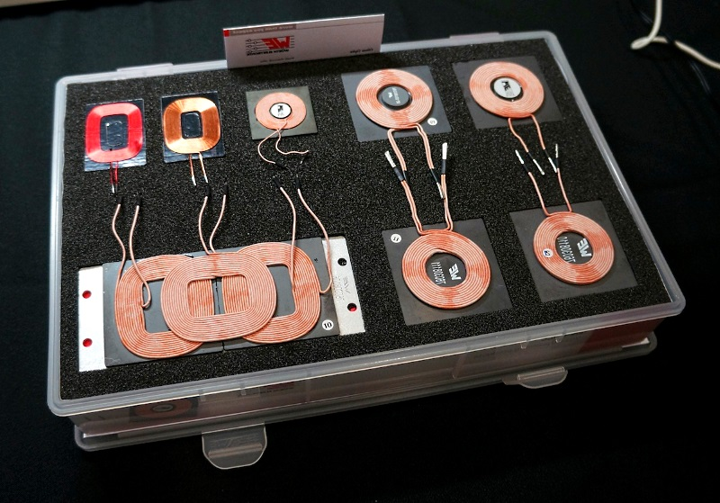 беспроводное зарядное устройство в машину