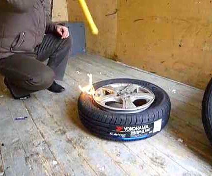 Как забортировать бескамерное колесо