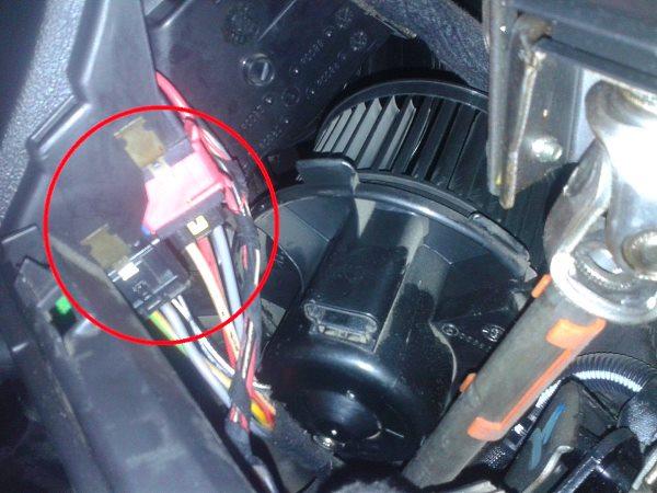 Не работает вентилятор обдува печки в машине