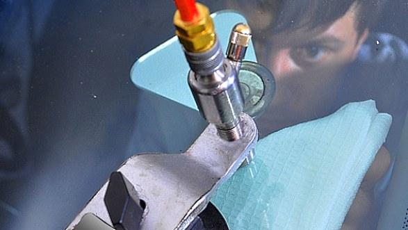 ремонт лобового стекла автомобиля тонкости работы