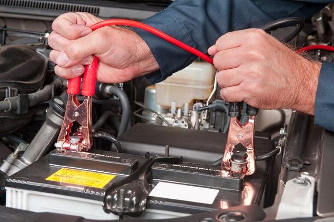 разрядился аккумулятор в машине что делать