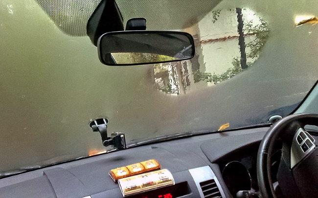 сильно запотевают стекла в машине изнутри причины