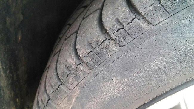 трещины на шине