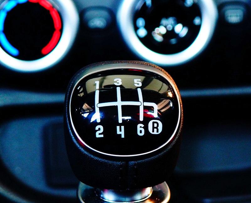 Как водить машину на механике